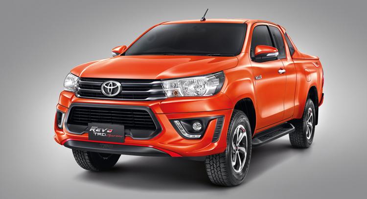 Toyota Hilux Revo TRD Sportivo เริ่มต้นอยู่ที่ 722,000 บาท