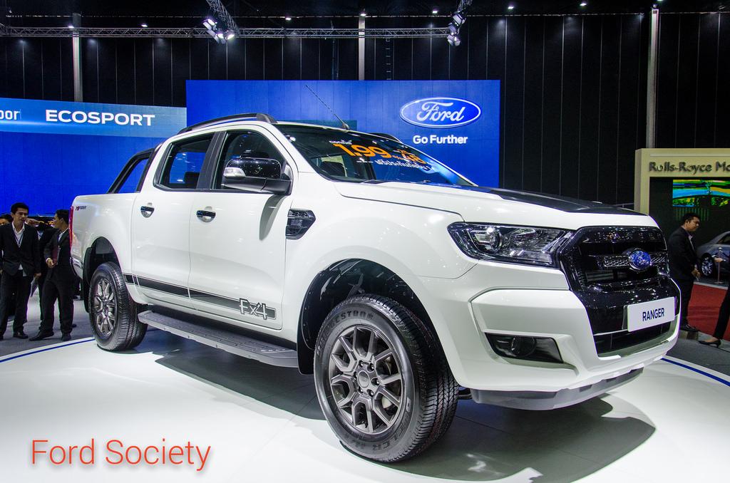 ชมภาพ Ford Ranger FX4 แบบละเอียด ทั้งภายนอกและภายในห้องโดยสาร
